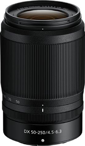 Bild Zum Transport eingefahren ist das Nikon Z 50-250 mm 4,5-6,3 VR DX mit elf Zentimetern Länge erstaunlich kurz. Dank des Kunststoffgehäuses wiegt es nur 400 Gramm. [Foto: Nikon]