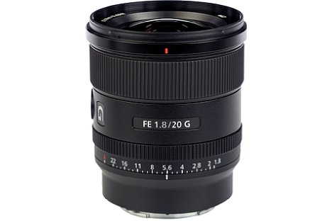 Bild Das Filtergewinde des kompakten Sony FE 20 mm F1.8 G (SEL20F18G) misst lediglich 67 Millimeter. [Foto: MediaNord]