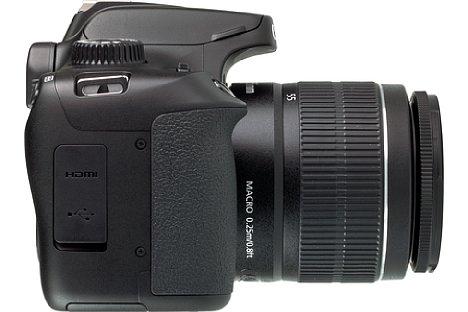 Bild Der Handgriff der Kamera ist komfortabel, wenn auch die Gummierung etwas übersteht. [Foto: MediaNord]