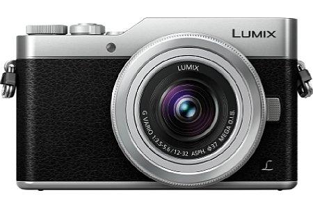 Bild Die Panasonic Lumix DC-GX800 wird hierzulande nur in Schwarz-Silber auf den Markt kommen und soll inklusive des Setobjektivs 12-32 mm knapp 550 Euro kosten und ab Februar 2017 erhältlich sein. [Foto: Panasonic]
