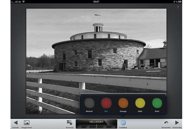 Bild Zusätzlich lässt sich ein Farbfilter simulieren, zur Auswahl stehen rot, orange, gelb und grün. [Foto: Ralf Spoerer]
