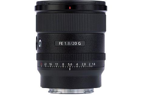 Bild Das Sony FE 20 mm F1.8 G (SEL20F18G) besitzt ein robustes Gehäuse aus Metall und Kunststoff, bei dem Dichtungen vor dem Eindringen von Spritzwasser und Staub schützen. [Foto: MediaNord]