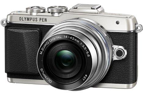 Bild In Silber versprüht die Olympus Pen E-PL7 besonders viel Retro-Charme. [Foto: Olympus]