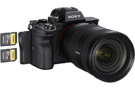 Bild Erstmals in einer Sony kommt bei der Alpha 7R IV ein Dual UHS-II-SD-Kartenslot zum Einsatz. Dafür fällt die Kompatibilität zum MemoryStick weg. [Foto: Sony]
