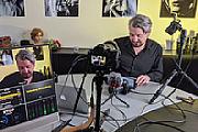 Manuel Quarta im MediaNord-Studio beim Dreh eines Schulungs-Videos. [Foto: MediaNord]
