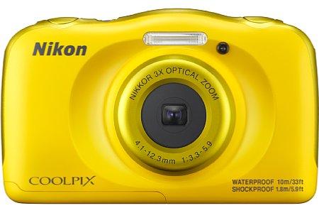 Bild Preistreibend ist Snapbridge mit Bluetooth und WLAN, das Nikon bei der Coolpix W100 verbaut hat. Hier ist die gelbe Variante der Kompaktkamera zu sehen. [Foto: Nikon]