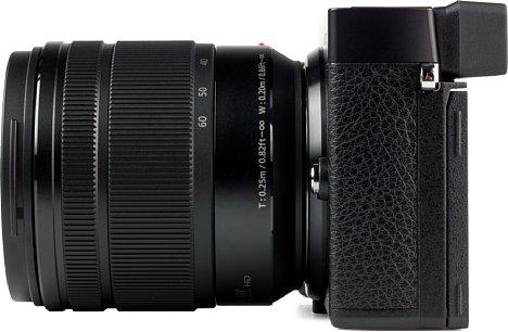 Bild Auf dieser Seite hätten wir uns bei der Panasonic Lumix DC-GX9 einen Mikrofoneingang gewünscht, der die ansonsten gute Videofunktion abgerundet hätte. [Foto: MediaNord]