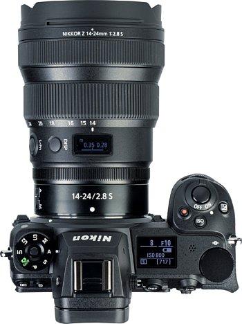 Bild Das Display des Nikon Z 14-24 mm F2.8 S zeigt nicht nur den Fokusabstand, sondern auch die Schärfentiefe an. Wahlweise kann auch die Blende oder Brennweite angezeigt werden. [Foto: MediaNord]