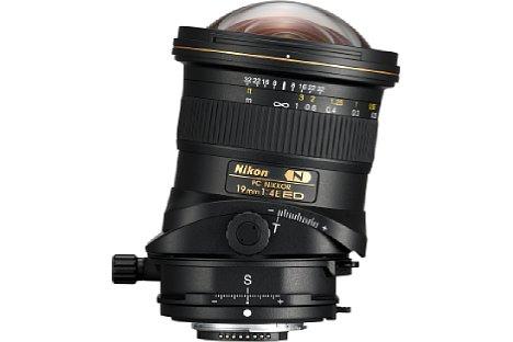 Bild Um +/- 7,5 Grad kann das Nikon PC 19 mm 1:4E ED geneigt werden. [Foto: Nikon]