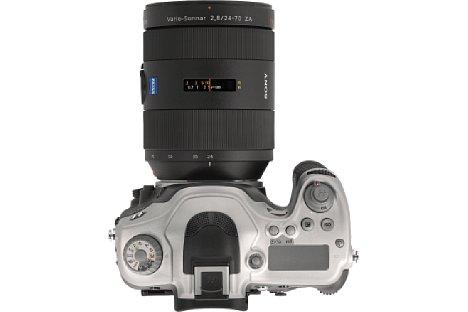 Bild Auch die Bedienelemente auf der Oberseite wurden gegenüber dem Sony-Original modifiziert. [Foto: Hasselblad]