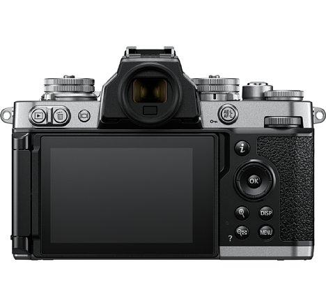 Bild Der 7,5 Zentimeter große Touchscreen der Nikon Z fc löst 1,04 Millionen Bildpunkte auf. Der elektronische Sucher mit klassisch rundem Okular löst 2,36 Millionen Bildpunkte auf. [Foto: Nikon]