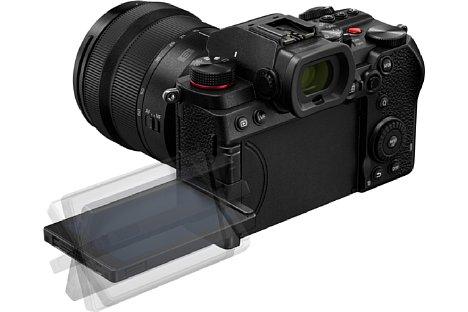 Bild Der rückwärtige Bildschirm der Panasonic Lumix DC-S5 lässt sich flexibel schwenken und drehen. [Foto: Panasonic]
