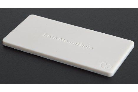 Bild Die mitgelieferte Gummifliese kann als Unterlage benutzt werden und verhindert damit zuverlässig, dass der Canvas wegrutscht, wenn er z. B. auf einem Regal stehend gegen die Wand gelehnt wird. [Foto: MediaNord]