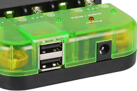Bild Die USB-Anschlüsse des Pixo C4 erlauben es, je zwei Smartphones, iPad, iPod oder iPhone per USB aufzuladen. [Foto: MediaNord]