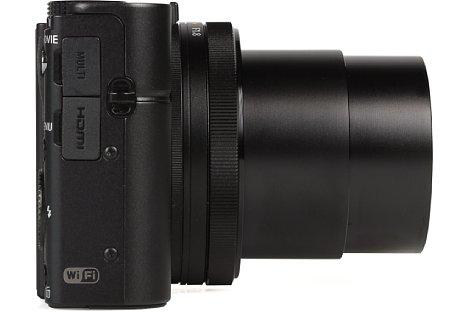 Bild Auch der rechten Gehäuseseite der Sony DSC-RX100 III sitzen die Schnittstellen: Micro-USB sowie Micro-HDMI. [Foto: MediaNord]