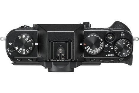"""Bild Dank der manuellen Einstellräder lässt sich die Fujifilm X-T20 besonders """"retro-mäßig"""" bedienen. Sie bietet aber auch elektronisch Einstellräder. [Foto: Fujifilm]"""