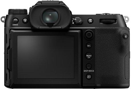 Bild Auf der Rückseite besitzt die Fujifilm GFX 50S II einen 8,1 Zentimeter großen Touchscreen, der sich um 90 Grad nach oben, 45 Grad nach unten und 60 Grad zu Seite schwenken lässt. [Foto: Fujifilm]