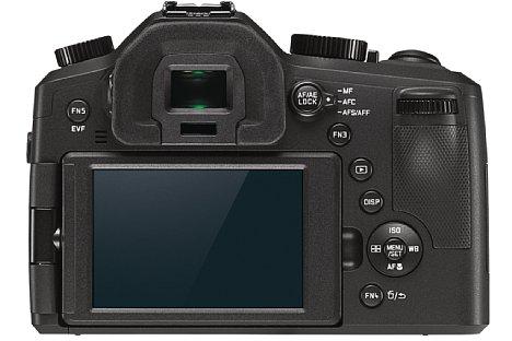 """Bild Die Leica V-Lux (Typ 114) ist nicht nur mit einem 921.000 Bildpunkte auflösenden dreh- und schwenkbaren 3""""-Bildschirm ausgestattet, sondern auch mit einem 0,7-fach vergrößernden elektronischen Sucher mit 2,36 Millionen Bildpunkten Auflösung. [Foto: Leica]"""