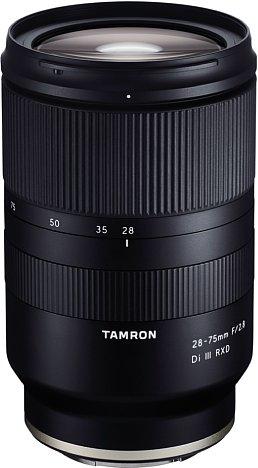 Bild Das 28-75 mm F/2.8 Di III RXD (Modell A036) ist das erste spiegellose Kleinbildobjektiv von Tamron und bereits ab rund 800 Euro mit Sony-E-Anschluss erhältlich. [Foto: Tamron]