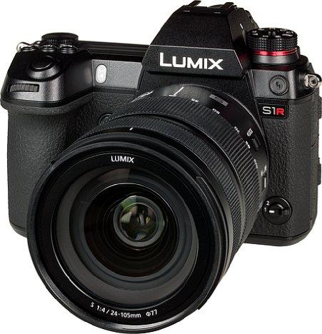 Bild Die Panasonic Lumix DC-S1R besitzt ein robustes Gehäuse aus einer Magnesiumlegierung, das auch gegen Spritzwasser, Staub, Stöße und Frost gewappnet ist. [Foto: MediaNord]