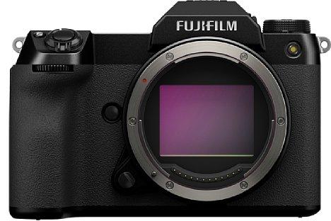 Bild Beim 50 Megapixel auflösenden CMOS-Sensor der Fujifilm GFX 50S II handelt es sich um das alte Modell ohne rückwärtige Belichtung, 4K-Video und Phasen-Autofokus. [Foto: Fujifilm]
