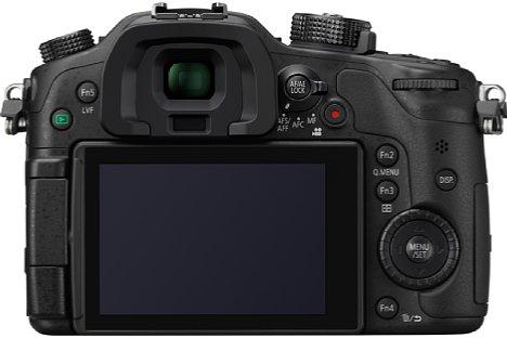 Bild Der klapp- und drehbare 7,5-cm-Bildschirm der Panasonic Lumix DMC-GH4 nutzt nun ein OLED-Display mit 1,04 Millionen Bildpunkten. Der OLED-Sucher löst gar 2,36 Millionen Bildpunkte auf. [Foto: Panasonic]