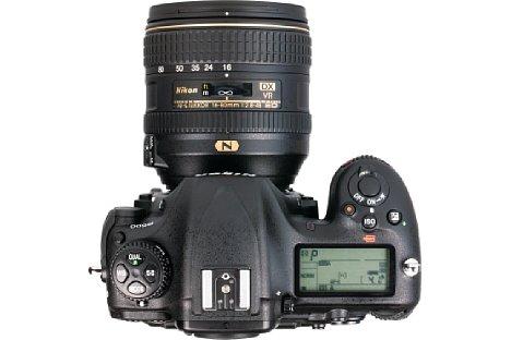 Bild An der D500 gibt dasNikon AF-S 16-80 mm 1:2.8-4E ED VR ein recht stimmiges Bild ab. Dank Spritzwasser- und Staubschutz eignet es sich tatsächlich auf für diese Profi-APS-C-DSLR. [Foto: MediaNord]