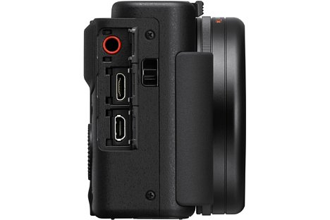 Bild Neben einem Micro-HDMI-Anschluss bietet die Sony ZV-1 auch eine Micro-USB-Schnittstelle samt Ladefunktion sowie einen Stereo-Mikrofonanschluss. [Foto: Sony]