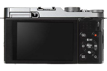 Bild 920.000 Bildpunkte löst der 7,6 Zentimeter große Bildschirm der Fujifilm X-A2 auf. Einen Sucher gibt es nicht. [Foto: Fujifilm]