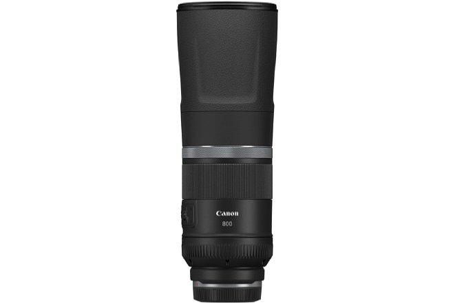 Bild Auch das Canon RF 800 mm F11 IS STM fällt relativ kompakt aus und bleibt preislich unter der 1.000-Euro-Marke. Zum Fotografieren muss es wie das 600er ausgefahren werden. [Foto: Canon]