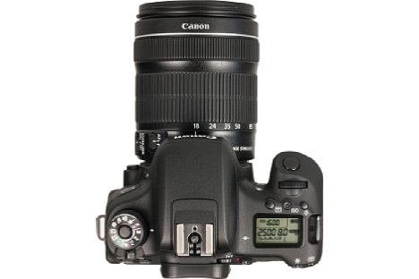 Bild Bei der Canon EOS 760D musste das Programmwählrad dem beleuchtbaren Info-Display weichen. Zudem will sie mit der automatischen Blockierung gegen versehentlichen Aufnahmeprogrammwechsel mehr Professionalität versprühen. [Foto: MediaNord]