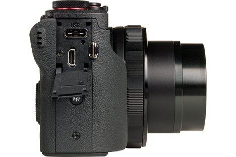 Bild Über die moderne USB-C-Schnittstelle lässt sich nicht nur der Akku der Canon PowerShot G5 X Mark II laden, sondern auch die Kamera betreiben. Allerdings ist die Canon sehr wählerisch, mit welchem USB-Netzteil oder Powerbank sie sich verträgt. [Foto: MediaNord]