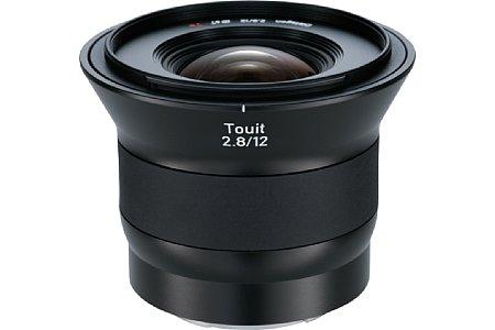 Bild Das Zeiss Touit 2.8/12 mm besitzt eine aufwändige optische Konstruktion und erfasst einen Bildwinkel von 99 Grad. [Foto: Zeiss]
