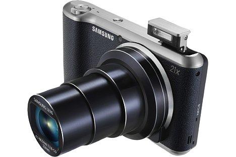 Bild Von vorne betrachtet wirkt die Samsung Galaxy Camera 2 (GC200) wie eine gewöhnliche Superzoom-Digitalkamera. [Foto: Samsung]