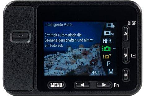 Bild Da der Sony DSC-RX0 auch elementare Bedienelemente fehlen, muss alles über den winzigen Monitor und die kleinen Tasten bedient werden. Die Umschaltung von Foto auf Video (oder zurück) erfordert jeweils sieben Tastendrücke auf drei verschiedenen Tasten. [Foto: MediaNord]