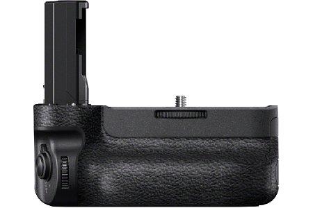 Bild Der Hochformatgriff Sony VG-C3EM bietet im Hochformat dieselbe Ergonomie wie im Querformat. [Foto: Sony]