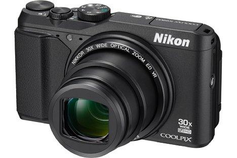 Bild Die Nikon Coolpix S9900 gehört zur Travelzoomklasse, ihr 16 Megapixel auflösender CMOS-Sensor kann auch Full-HD-Videos mit 60 Bildern pro Sekunde aufnehmen. [Foto: Nikon]