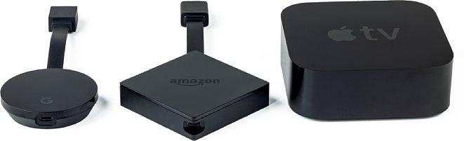 Bild Größenvergleich zwischen Google Chromecast Ultra, Amazon Fire TV und Apple TV. Das Apple TV 4K hat ein eingebautes Netzteil, einen Netzwerkanschluss sowie eine HDMI-Buchse und ist deshalb etwas größer. [Foto: MediaNord]