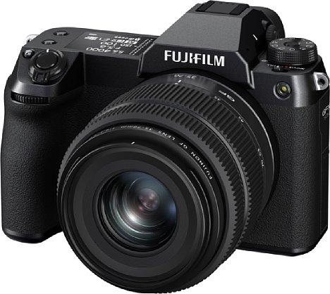 Bild Die Fujifilm GFX 50S II besitzt dasselbe kompakte Gehäuse wie die im Frühjahr 2021 vorgestellte GFX100S. Auch der Sensor-Shift-Bildstabilisator ist verbaut. [Foto: Fujifilm]
