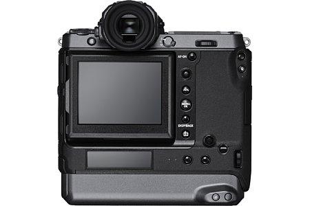 Bild Unter dem 8,1 Zentimeter großen Touchscreen bietet die Fujifilm GFX100 auch noch ein 5,2 Zentimeter großes Info-Display. [Foto: Fujifilm]