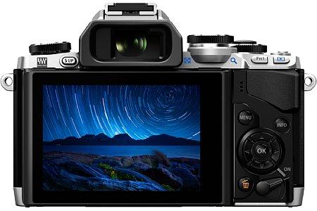 Bild Die Olympus OM-D E-M10 besitzt nicht nur einen 7,5-cm-Bildschirm mit 1,04 Millionen Bildpunkten Auflösung, sondern auch einen großen elektronischen Sucher mit 1,44 Millionen Bildpunkten und einer kurzen Verzögerung von lediglich 0,007 Sekunden. [Foto: Olympus]