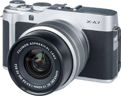 Bild Das Motorzoom XC 15-45 mm fährt beim Einschalten der Fujifilm X-A7 automatisch aus. [Foto: MediaNord]