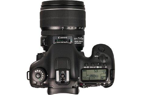 Bild Ein üppiges Status-Display auf der rechten Schulter der Kamera informiert über eine Vielzahl an Parametern. [Foto: MediaNord]