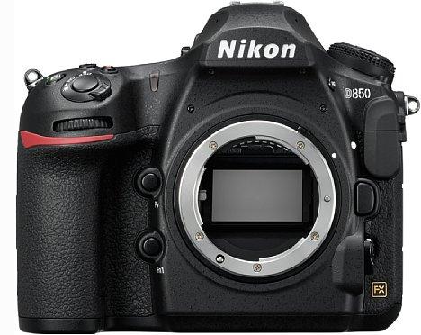 Bild Der Kleinbildsensor der Nikon D850 bringt es auf eine Auflösung von 45,7 Megapixel. Dank der BSI-Technologie wurde die lichtempfindliche Fläche maximiert, bis zu ISO 102.400 sind möglich. [Foto: Nikon]