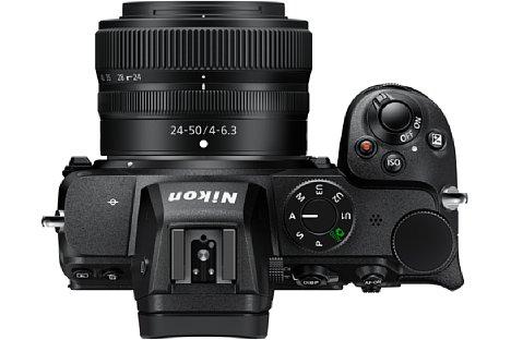 Bild Die Nikon Z 5 verzichtet auf ein Statusdisplay auf der Kameraoberseite. [Foto: Nikon]