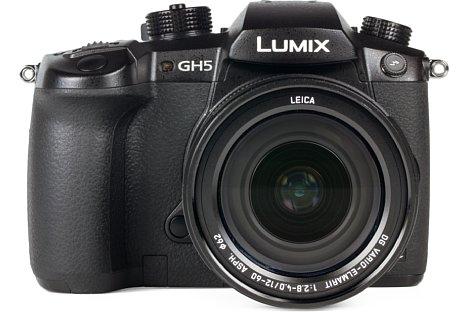 Bild Das Gehäuse der Panasonic Lumix DC-GH5 besteht aus einer Magnesiumlegierung und ist gegen Staub und Spritzwasser geschützt. [Foto: MediaNord]