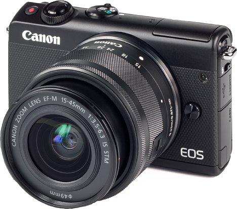 Bild Die Canon EOS M100 wurde im digitalkamera.de-Test mit dem Set-Objektiv EF-M 15-45 mm getestet. [Foto: MediaNord]