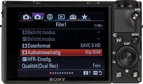 Bild Der 7,5 Zentimeter große Touchscreen nimmt fast die gesamte Rückseite der Sony RX100 VII ein. Leider bietet er keine automatische Helligkeitsregelung und leuchtet in hellen Umgebungen zu dunkel, solange man den Sonnenmodus nicht aktiviert. [Foto: MediaNord]