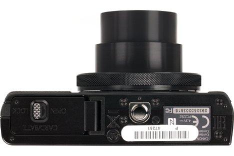 Bild Das Metallstativgewinde der Canon PowerShot G9 X sitzt sogar in der optischen Achse. [Foto: MediaNord]