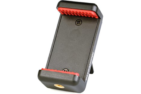 Bild Die MCLAMP Smartphone-Klemme hält das eingespannte Telefon dank kräftiger Feder und Gummierung sicher. [Foto: MediaNord]